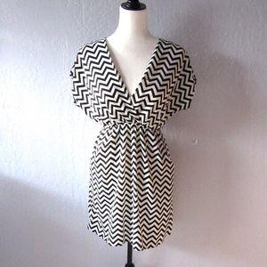 Swell Black and White Chevron Zig Zag Dress V neck